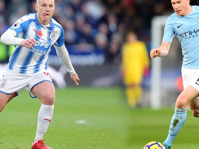 How Aaron Mooy's Huddersfield Town stats stack up against Manchester City's Kevin De Bruyne