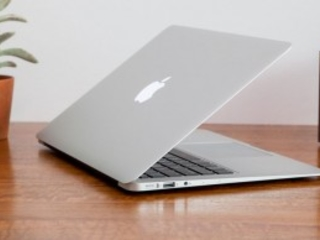 Take Up to $200 off Apple's 2017 MacBook Air Laptops
