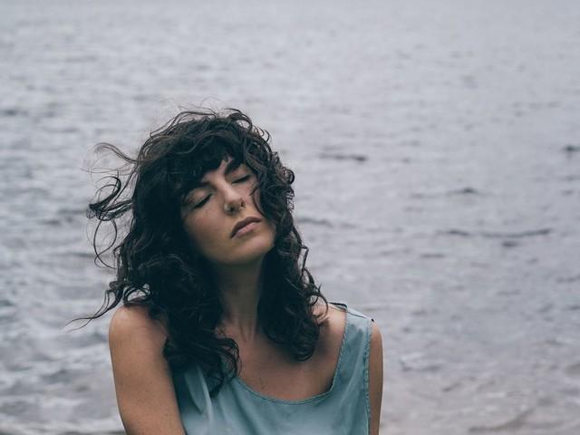 "Kéren Channels Her Power on Her Mystical LP ""In Form"""