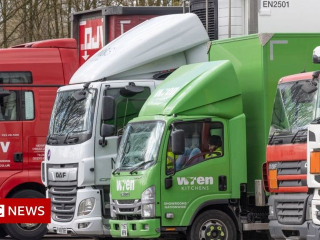 Brexit: HGV demand driving wages up for industry