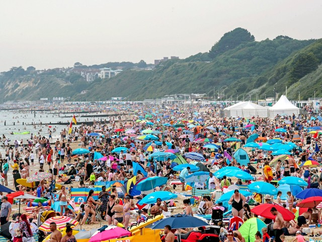 UK weather: New temperature record set for Britain during heatwave, says Met Office