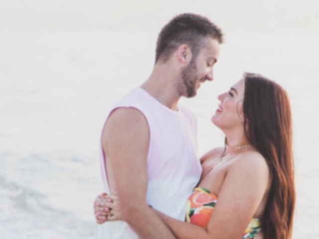 Husband's Love Note To His 'Curvy' Wife Should Be Required Reading