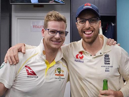 Steve Smith assures Jack Leach that he wasn't poking fun of him by donning glasses