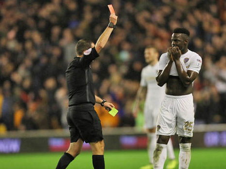 Leeds star apologises after Wolves defeat, fans respond on Twitter: 'You played with passion'