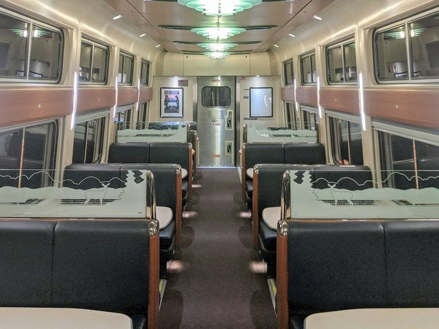I tried Amtrak's new 'contemporary' dining car —and it was immediately clear why so many people want to save the old one