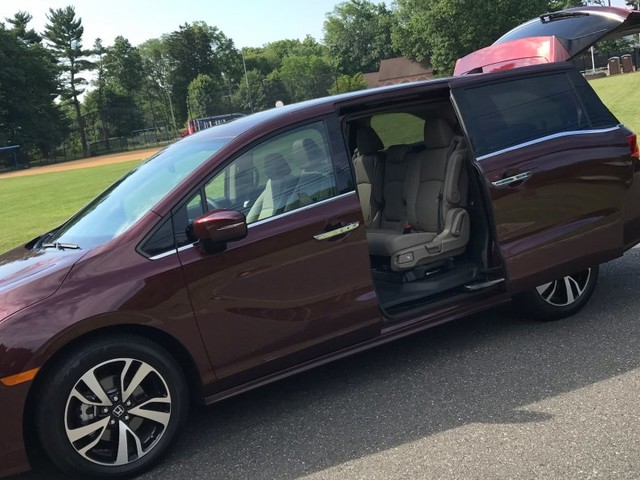 We tested popular minivans from Toyota and Honda to see which is better — and the winner is clear