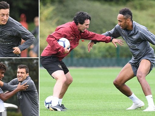 Arsenal boss Unai Emery works with Aubameyang ahead of Chelsea clash
