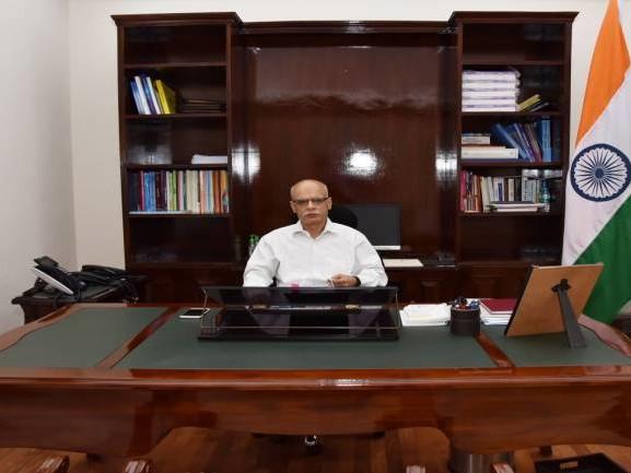 Tarun Bajaj given additional charge of Secretary, Department of Revenue