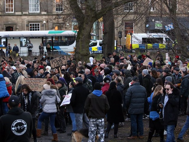 Two arrests made after hundreds gather for anti-lockdown protest in Newcastle