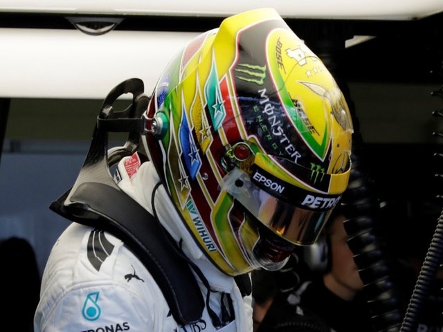 Lewis Hamilton would throw last two races of season to give team-mate the edge over rival Sebastian Vettel