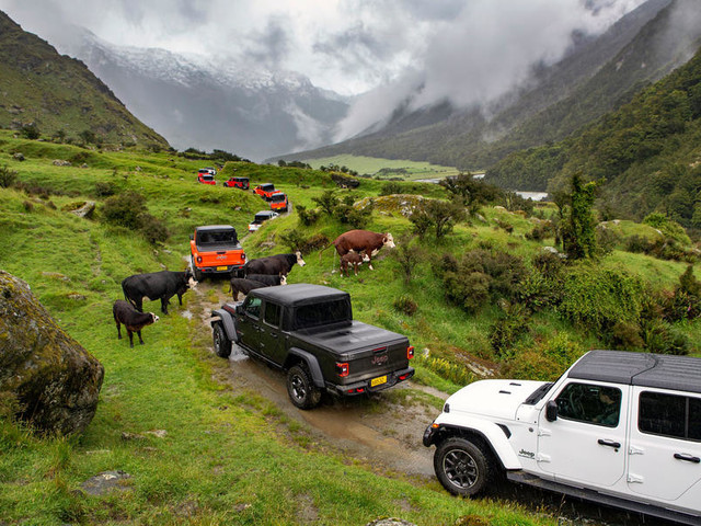 Moving (on) mountains: Driving a Jeep Gladiator in New Zealand