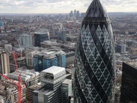 Paris delegates make bid to attract leading City fintech firms after Brexit