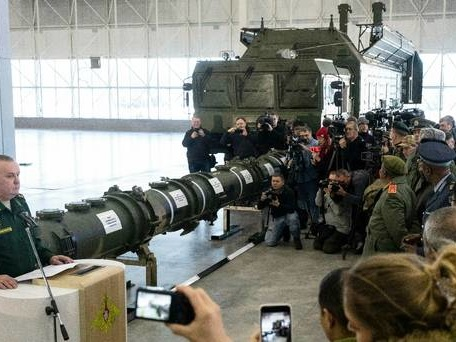 Russia shows off new missile