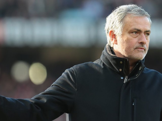 Manchester United to battle Man City and Tottenham for Ryan Sessegnon and more transfer rumours