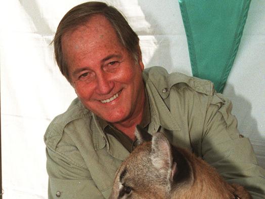 'Wild Kingdom' Host Jim Fowler Dies at 89