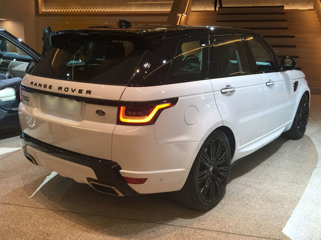 New Range Rover Sport shown in metal for first time