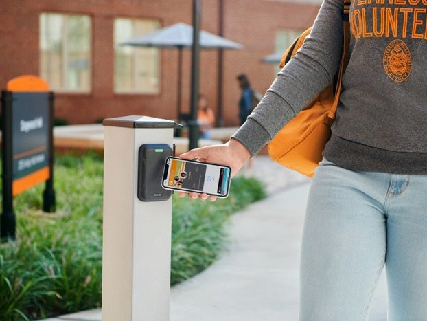 Apple's contactless IDs head to more US Universities