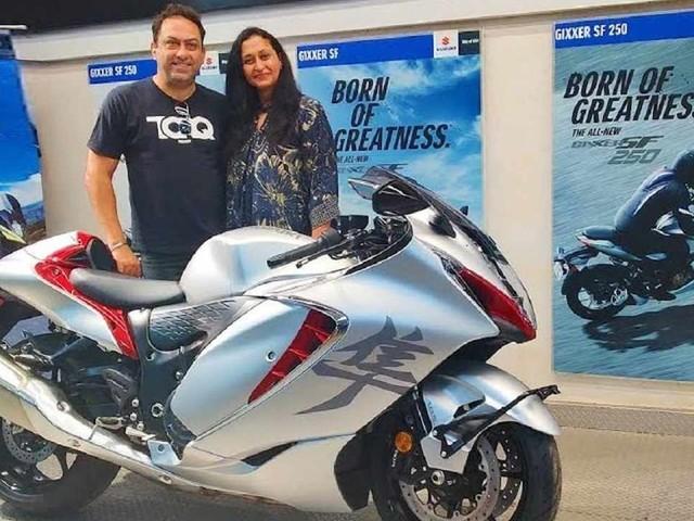 Husband Gets Suzuki Hayabusa as Birthday Gift From Wife In India