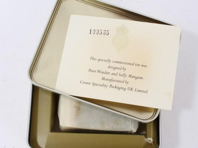 Will and Kate's wedding cake fetches tasty £300 at Royal auction sale