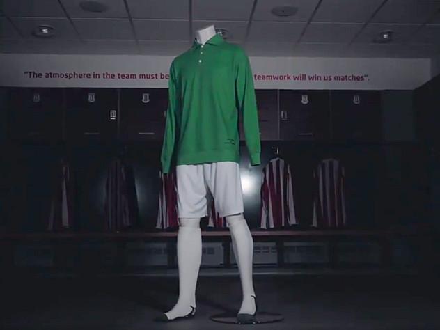 'No Badge, No Sponsor, No Name' – Jack Butland To Wear Commemorative Goalkeeper Kit Styled To Look Like Gordon Banks' 1972 League Cup-Winning Uniform (Photo & Video)