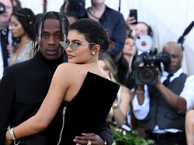 These Videos Of Kylie Jenner & Travis Scott Jumping Off A Yacht Are Peak Vacation Goals