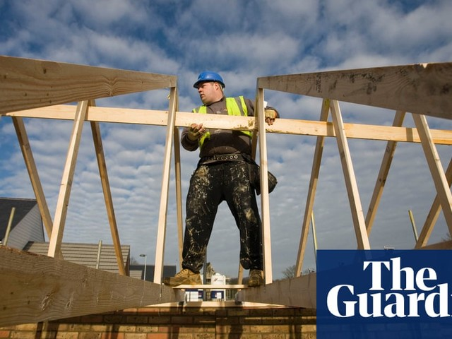 City investors call on listed companies to pay living wage