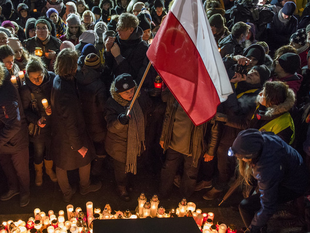 Tributes Paid After Polish Mayor Stabbed To Death At Charity Event