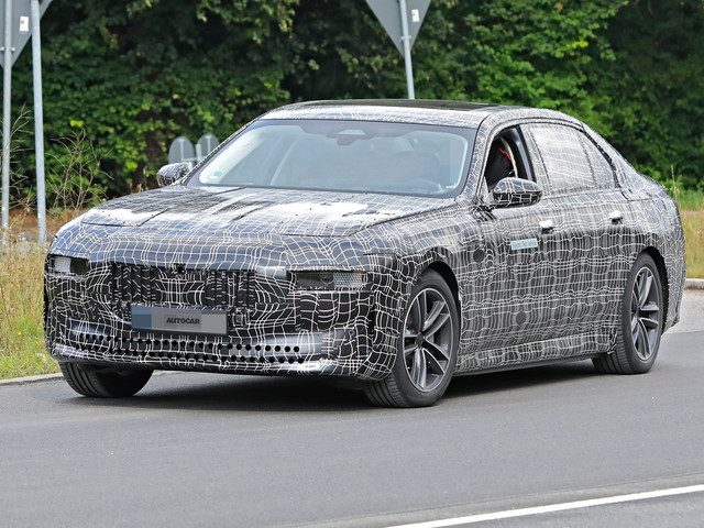New BMW i7: electric 7 Series spotted for the first time