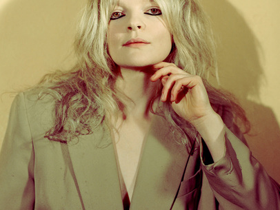 Track Of The Day: Jessica Pratt's gentle ode to awkward love, 'Poly Blue'
