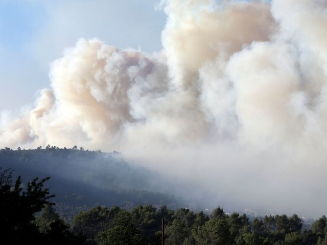 Fires in France force evacuation of 10,000 people