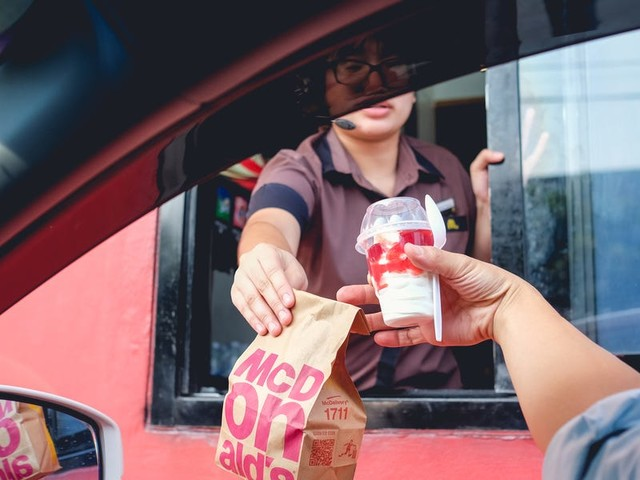 'We are working ten times harder for no reason': Desperate, terrified fast food workers from across the US expose the bleak reality of working during the coronavirus outbreak