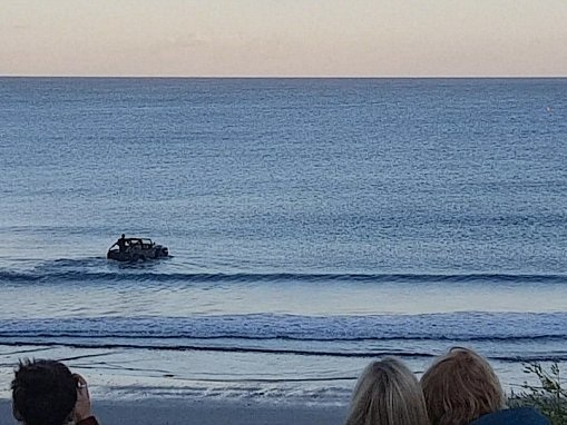 Jeep turns into speedboat in Cornwall