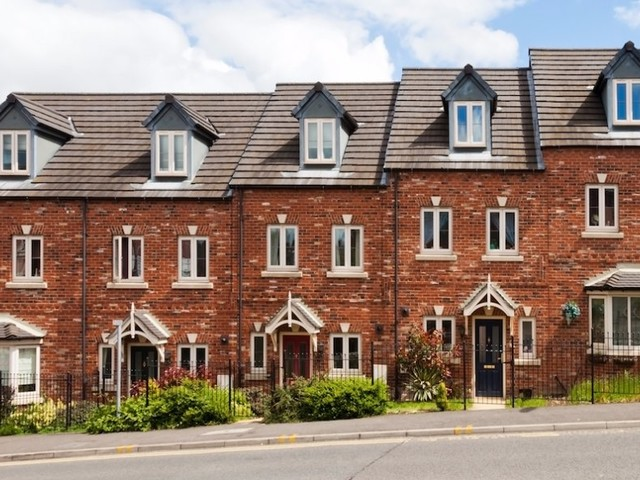 The UK housing market continued to stall in September due to low demand, falling sales, and interest-rate fears