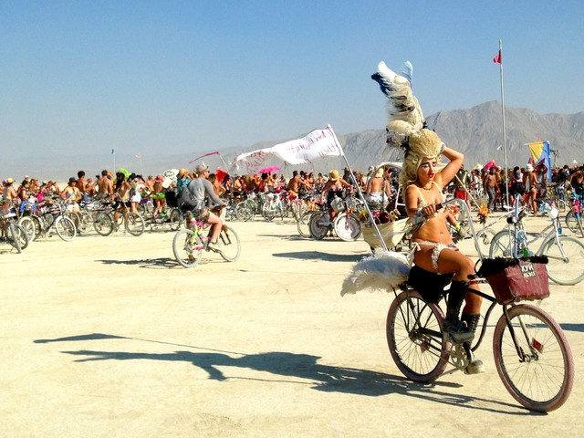 This livestream lets you watch everything that's going on at Burning Man from the comfort of your living room