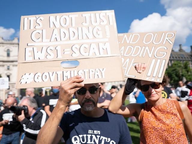 Hundreds protest over cladding scandal as Sadiq Khan condemns 'broken' leaseholder system