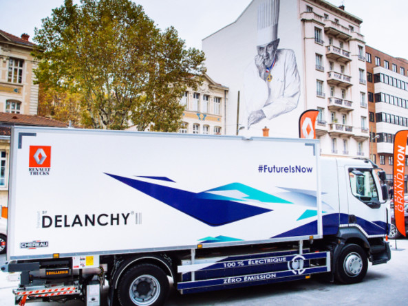 Renault Trucks and Groupe Delanchy develop electric medium-duty distribution truck with refrigerated box