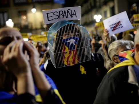 Catalan separatists ready for polls after independence falls flat