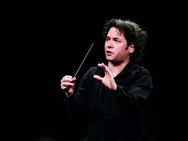 Gustavo Dudamel: Venezuela star conductor's tour cancelled