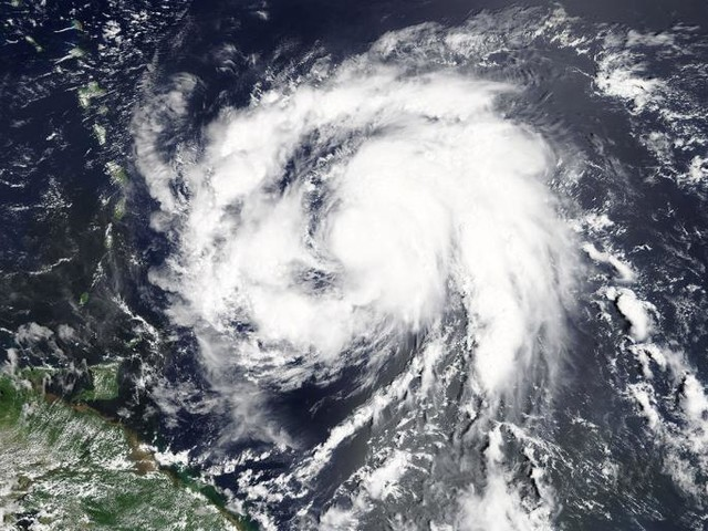 We Need a Better Way to Measure Hurricanes