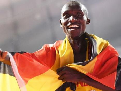 Joshua Cheptegei smashes 5km road world record in Monaco