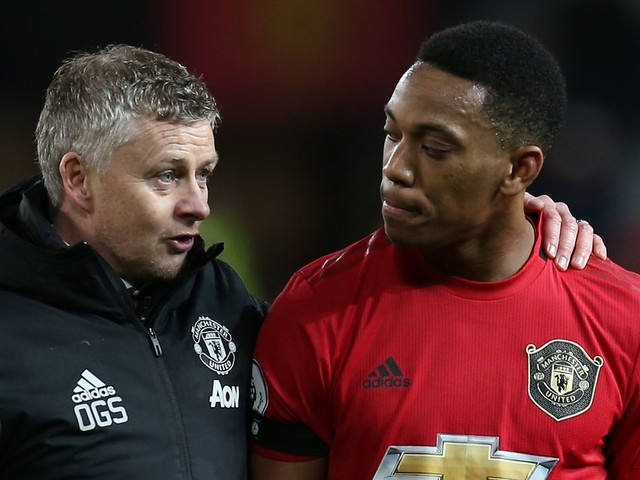 Ole Gunnar Solskjaer throws down gauntlet to Anthony Martial with transfer hint