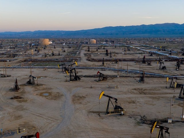 Private-equity firms fueled the US shale revolution with $125 billion. Now they face a reckoning of epic proportions as the oil market melts down.