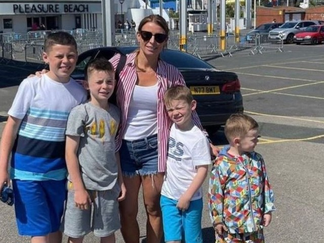 Coleen Rooney praised for 'keeping it real' as she takes kids to Blackpool
