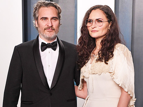 Joaquin Phoenix's Siblings: Everything To Know About His 3 Sisters and Late Brother, River