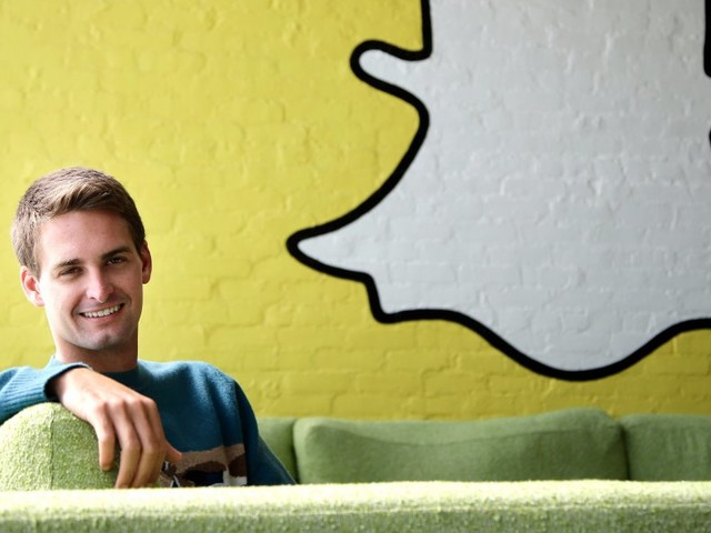 Snapchat's biggest redesign ever is planned for December 4 — here's how it will work (SNAP)