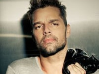 Ricky Martin Returns With New Single Qué Rico Fuera Featuring Paloma Mami