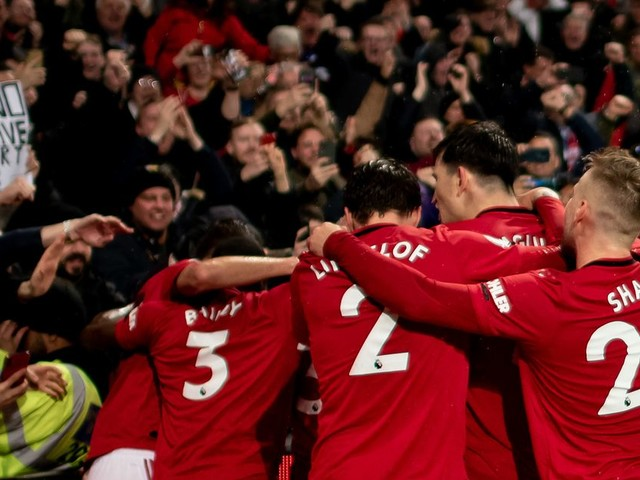 Man United send fans message on season tickets and behind closed doors games