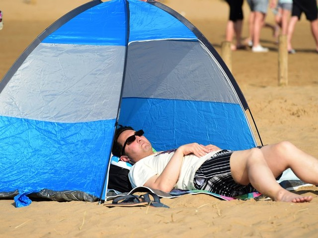 Easter heatwave to continue as Liverpool basks in hottest day of the year so far