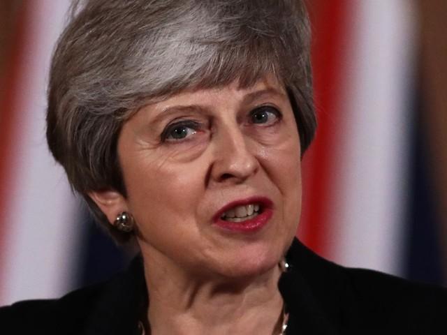 Theresa May asks Jeremy Corbyn to help break Brexit deadlock