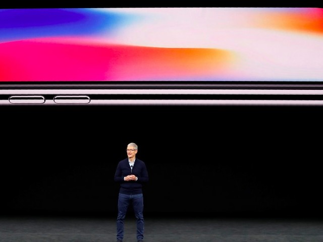 Apple has backed itself into an awkward corner with the iPhone X and its new naming system (AAPL)